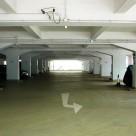 Полы в подземном паркинге. Материал - водостойкий промышленный пол АЛЬФАПОЛ ВБ - ровнитель цементный для создания износоустойчивых водонепроницаемых непылящих покрытий внутри и снаружи зданий.