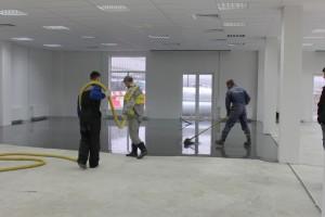 Срочная укладка наливного пола в новом комплексе аэропорта «Пулково»