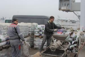 Подготовка раствора наливного пола шнековом растворонасосе