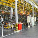 Сверхпрочный промышленный бетонный пол, производственное помещение